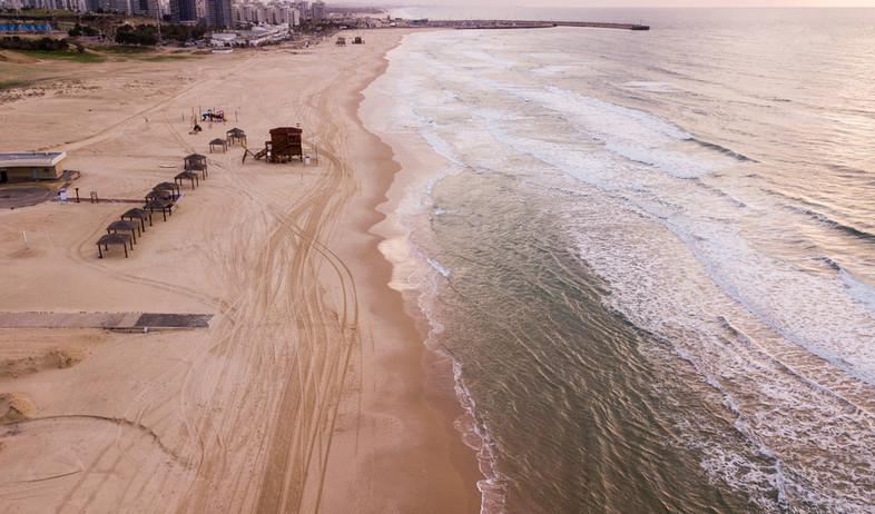 חוף הים באשדוד (צילום:  LightField Studios, shutterstock)