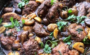 קציצות עוף מקורמלות ברוטב פטריות וערמונים (צילום: יונית סולטן צוקרמן, אוכל טוב)