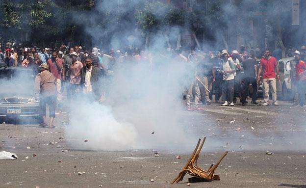 הפגנות אלימות במצרים, ארכיון (צילום: AP, חדשות)