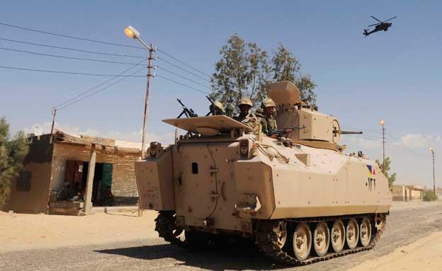 טנק של הצבא המצרי בסיני (צילום: AP, חדשות)