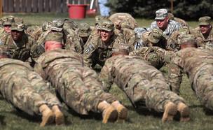 חיילים אמריקאיים בכושר (צילום: John Moore, gettyimages)