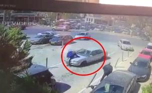 תיעוד רגע הפגיעה בדוד (צילום: חדשות)
