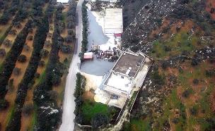 """בטון מנטרול המנהרות שהציף פיר בלבנון (צילום: דובר צה""""ל, חדשות)"""