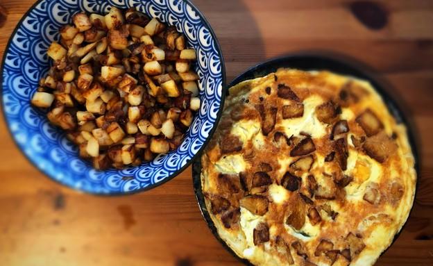 חביתת אורניות ותפוחי אדומה עם פטריות ליקוט (צילום: ניצן לנגר, אוכל טוב)