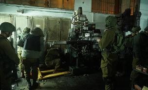 """הפשיטה על בית המלאכה בשכם (צילום: דובר הצה""""ל, חדשות)"""