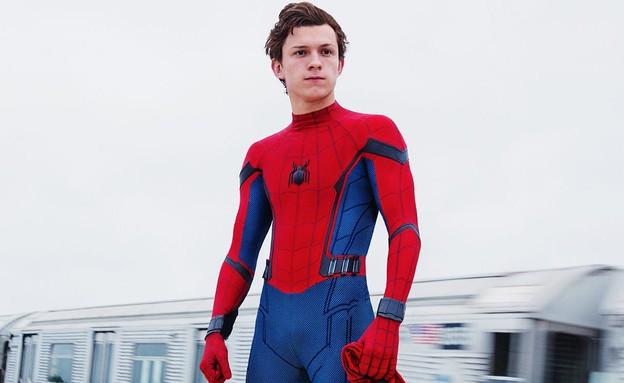 """טום הולנד כספיידרמן ב""""Spider-Man: Homecoming"""" (צילום: יוטיוב )"""