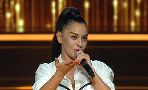"""מאיה בוסקילה רגע לפני הביצוע (צילום: מתוך """"הכוכב הבא לאירוויזיון 2019"""", שידורי קשת)"""