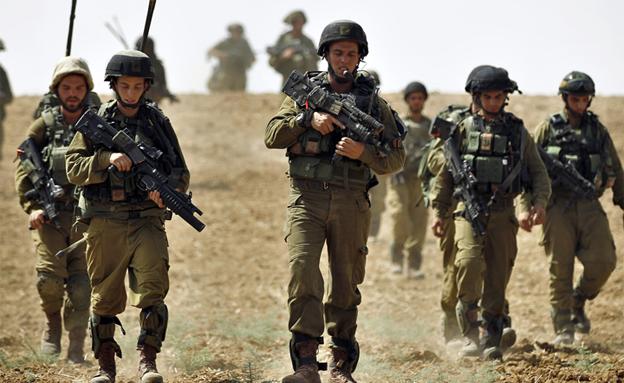 חיילים צוק איתן (צילום: רויטרס, חדשות)