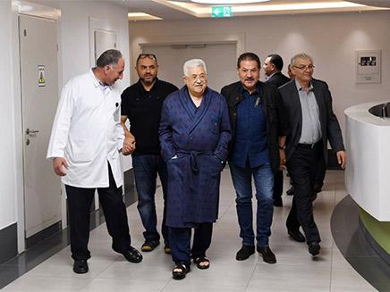 אבו מאזן בבית החולים (צילום: מתוך התקשורת הפלסטינית, חדשות)