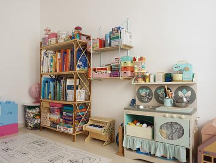 פריט מנצח, 12 כוננית צעצועים מראטן, עיצוב יערה ציקורל