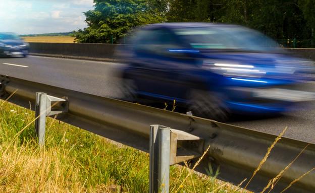 מהירות מופרזת (צילום: shutterstock   sdecoret)