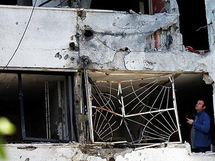 פגיעת הרקטה בבניין מגורים באשקלון