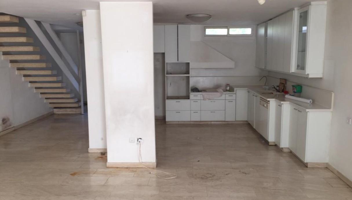 בית ברמת השרון, עיצוב דלית גפן, לפני שיפוץ, מטבח