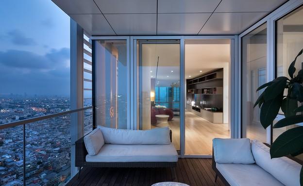 מגדל מאייר, מרפסת קומה 1 (צילום:  עמית גירון)
