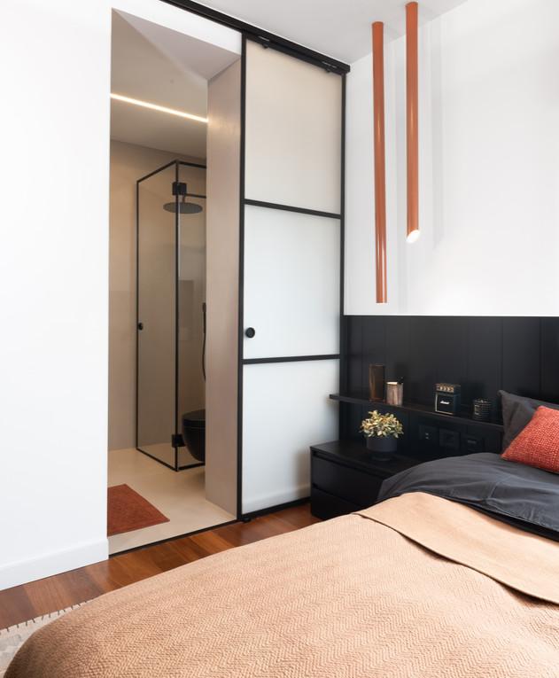 הדירה של סקאזי - 11