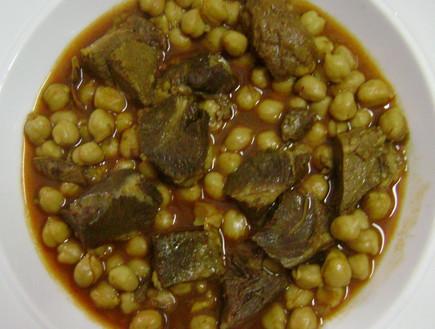 תבשיל בשר וגרגירי חומוס (צילום: סמדר וקנין)