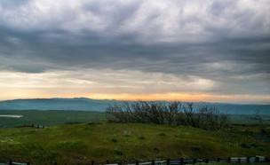נוף בשקיעה בנטל לגליל (צילום: לימור הולץ)