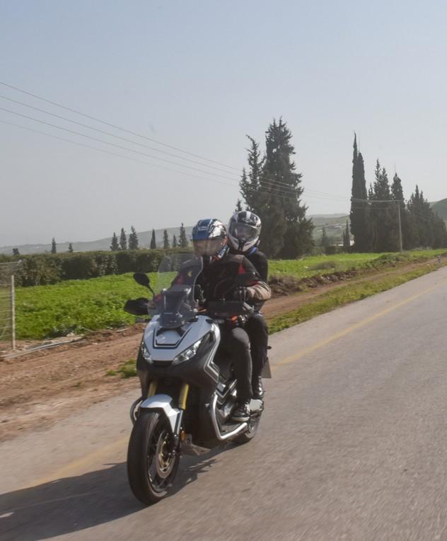 לירן כוהנר וגיא גיאור בטיול הונדה