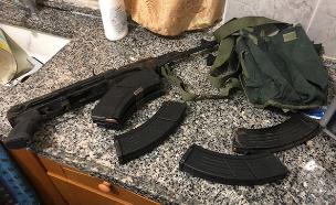 הנשק שנתפס אצל ברגותי (צילום: דוברות המשטרה, חדשות)