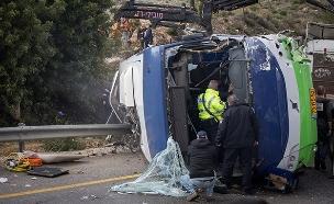 זירת התאונה, הבוקר (צילום: נועם רבקין פנטון / פלאש 90, חדשות)