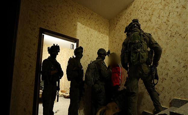"""מעצר החשוד ברצח של אורי אנסבכר ז""""ל (צילום: דוברות המשטרה, חדשות)"""