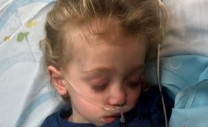 """זוג הרופאים לא חיסן את בנם - והוא אושפז בסכנת חיים (צילום: מתוך """"חדשות הבוקר"""" , קשת 12)"""