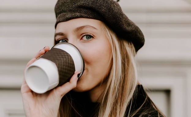 שותה קפה (צילום:  none)