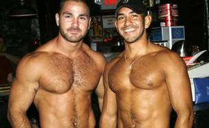 מרקוס וג'סטין בר גייז (צילום: Eagle L.A. PR)
