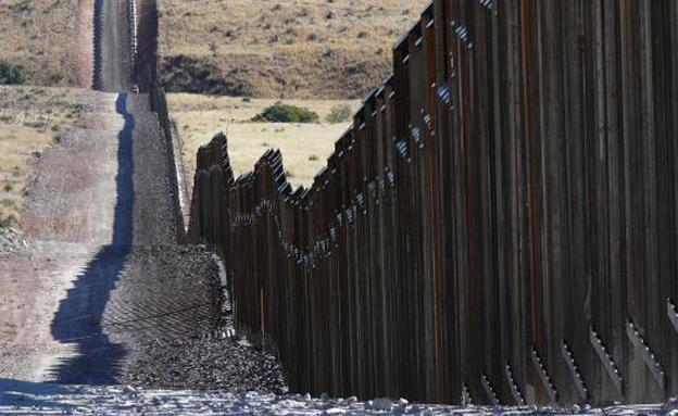 החומה בגבול מקסיקו (צילום: חדשות)