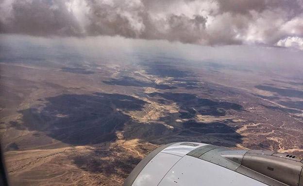 ענני גשם מעל הערבה. אתמול (צילום: איתן אסרף - החיים בזוית שלא הכרתם, חדשות)