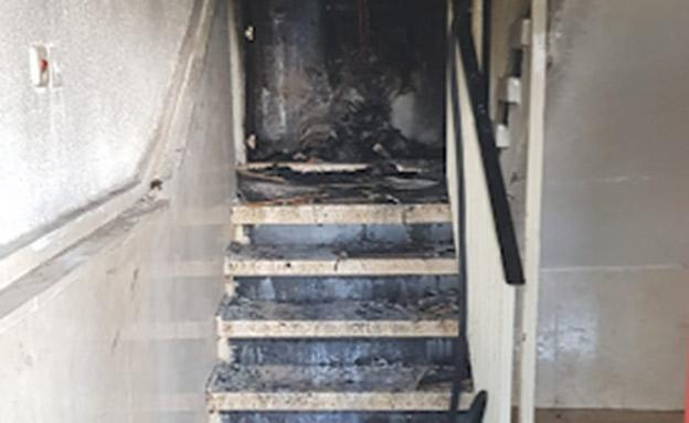 """שרפה פרצה בקומה שנייה (צילום: דוברות כב""""ה מחוז יו""""ש, חדשות)"""