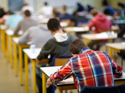 תלמידים נבחנים (אילוסטרציה) (צילום: רויטרס, חדשות)