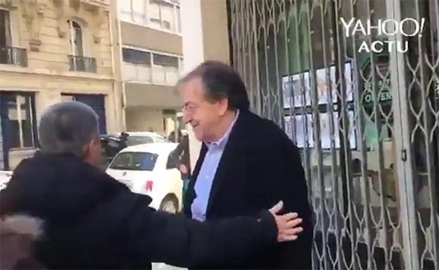 הפילוסוף היהודי אלן פינקלקראוט מותקף בצר (צילום: YAHOO, חדשות)