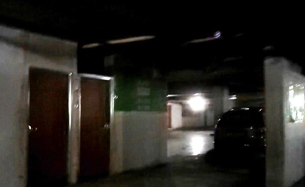 דירות בתוך חניונים סמוך למכוניות (צילום: החדשות)