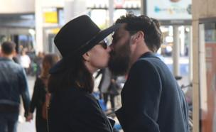 אנה ארונוב ואייל מאוהבים, פברואר 2019 (צילום: פול סגל)