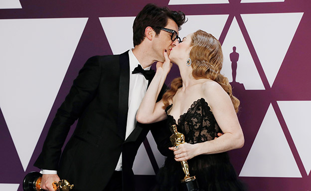 נשיקת הניצחון (צילום: רויטרס, חדשות)