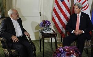 """עם ג'ון קרי. ניה מגעים עם ארה""""ב (צילום: רויטרס, חדשות)"""