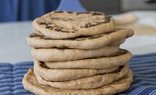 לחם מחבת (צילום: יעל אילן, מתרגשת, הוצאת מודן)
