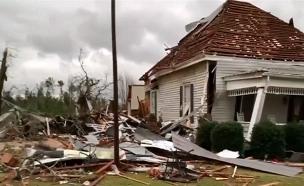 סופת הוריקן באלבמה (צילום: SCOTT FILLMER  רויטרס  , חדשות)