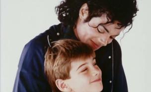 """""""מייקל ג'קסון תקף אותי מינית 7 שנים"""" (צילום: ערב טוב עם גיא פינס, שידורי קשת)"""