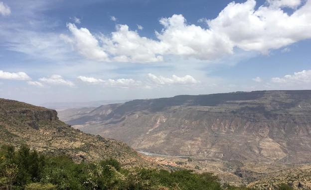 הנוף בדרך למנזר דברה ליבנוס (צילום: מערכת mako חופש)
