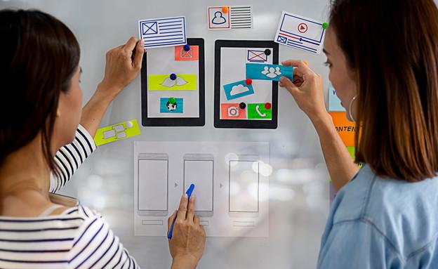 כל מה שרציתם לדעת על תפקיד מעצב חוויית משתמש (אילוסטרציה: MIND AND I / shutterstock)
