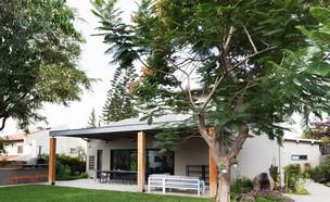 בית בשרון, עיצוב ריקי אלעזר ומיכל לפיד, חוץ - 1 (צילום: אבי לוי צלם אדריכלות)