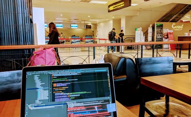 נוודות דיגיטלית – לטייל בעולם ולהחזיק בעבודה הקבוע (צילום: שלומי שאדי)