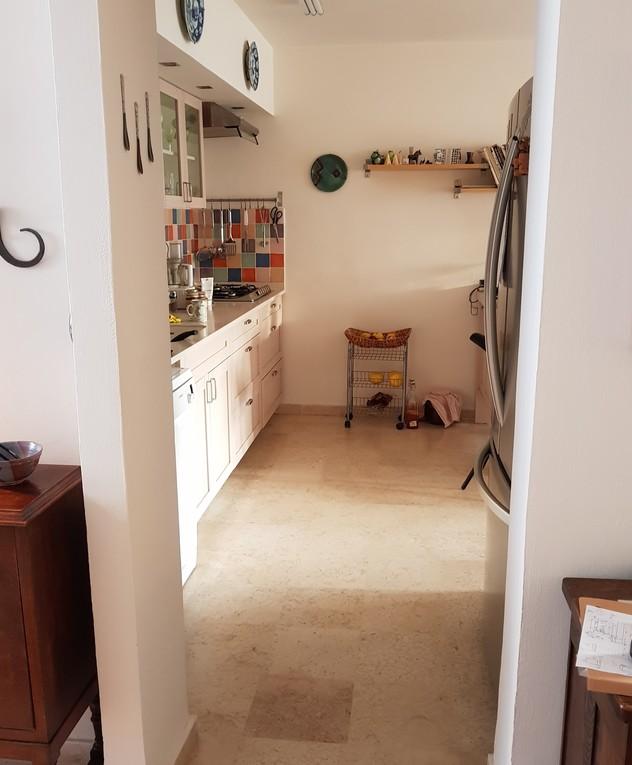 בית בשרון, ג, עיצוב נילי רונקין, המטבח לפני שיפוץ - 2