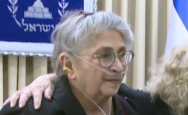 """הרופא של נחמה ריבלין מספר על הניתוח הדרמטי (צילום: מתוך """"חדשות הבוקר"""" , קשת 12)"""