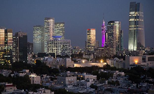 תל אביב בלילה (צילום: פלאש90 / מרים אלסטר, חדשות)