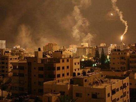 פיצוצים בעזה, הלילה (צילום: דובר צהל, חדשות)