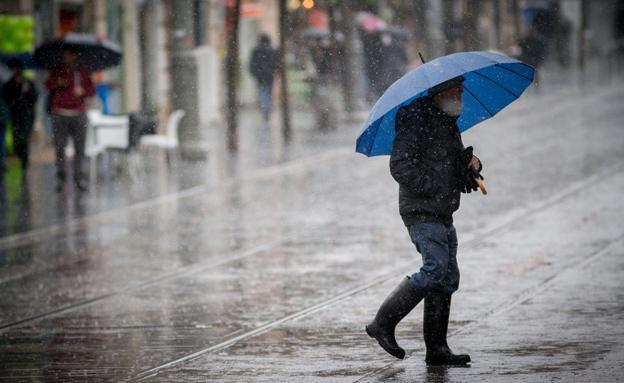 שבת חורפית: גשם, אובך ורוחות (צילום: יונתן זינדל / פלאש 90, חדשות)