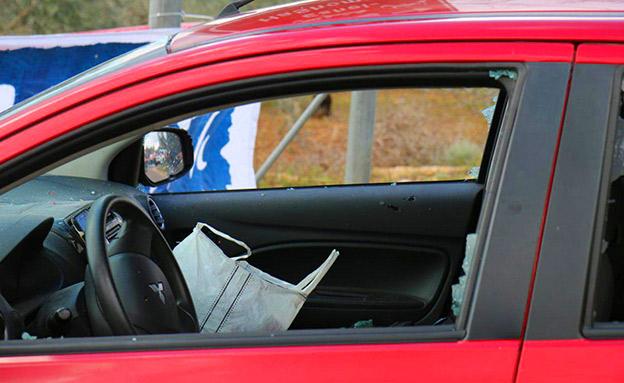 הרכב שעל פי החשד שימש את המחבלים (צילום: איתן שוייבר/TPS, חדשות)